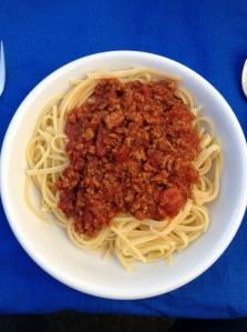 Essen halt, Spaghetti mit Sugo auf Teller